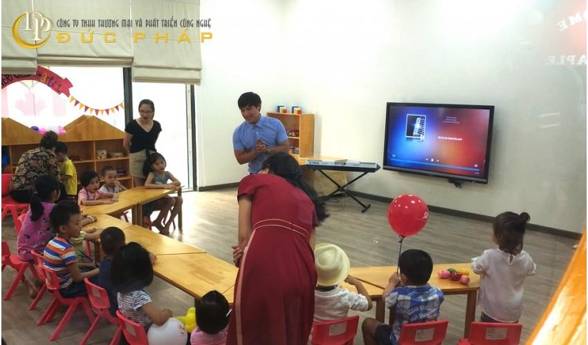 Hệ Trường quốc tế sử dụng màn hình tương tác thông minh