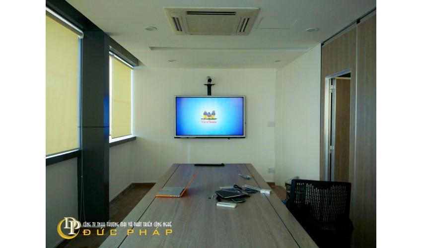 Phòng họp hiện đại cho 1 doanh nghiệp xây dựng tại TP,HCM sử dụng màn hình tương tác thông minh