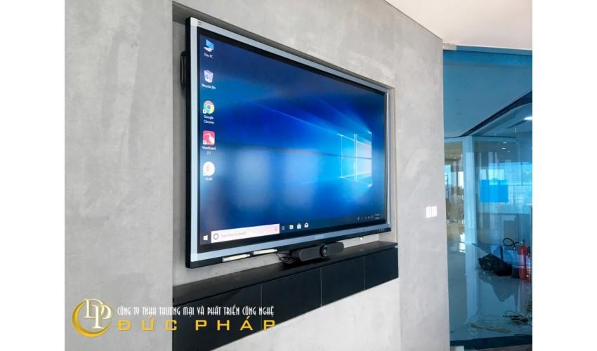 Phòng họp hiện đại cho 1 doanh nghiệp nước ngoài tại TP,HCm sử dụng màn hình tương tác thông minh